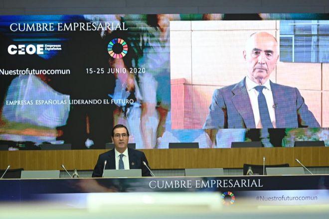Rafael del Pino, presidente de Ferrovial, durante su intervención...