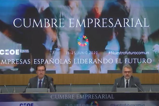 Antonio Garamendi, presidente de la CEOE (izquierda) y Marc Puig,...
