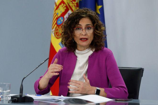 La ministra de Hacienda, María Jesús Montero, durante la rueda de...