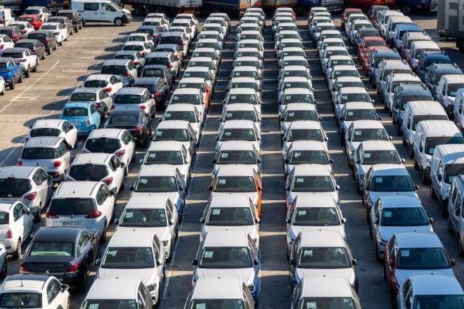 Las ventas de automóviles caen un 36,7% en junio