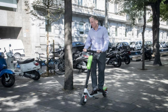 La forma de acceder a estas aplicaciones integradoras de movilidad es...