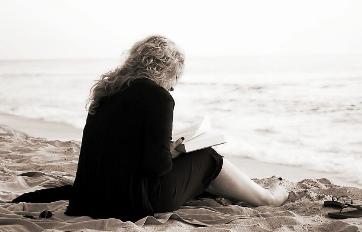Las vacaciones también son para leer: libros sobre el verano para devorar en la playa o en la piscina