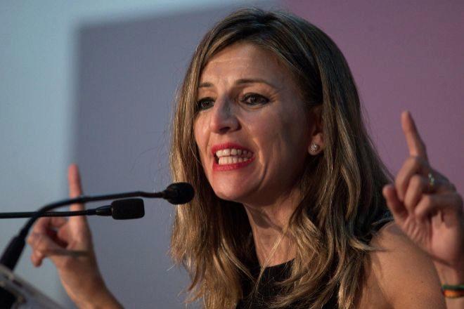 La ministra de Trabajo y Economía Social, Yolanda Díaz, durante el acto electoral de Galicia en Común-Anova Mareas, celebrado el pasado viernes en Ourense.