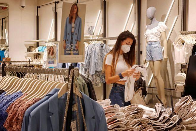El sector textil sigue en picado: sus ventas cayeron un 26% en junio pese a la reapertura de tiendas
