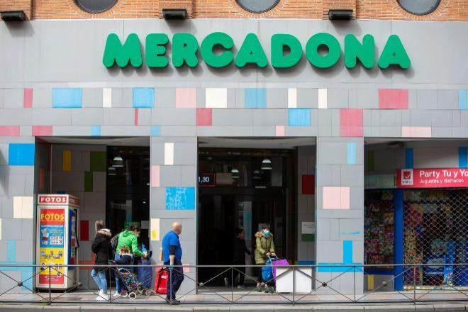 Mercadona implanta la jornada laboral de 5 días en sus supermercados