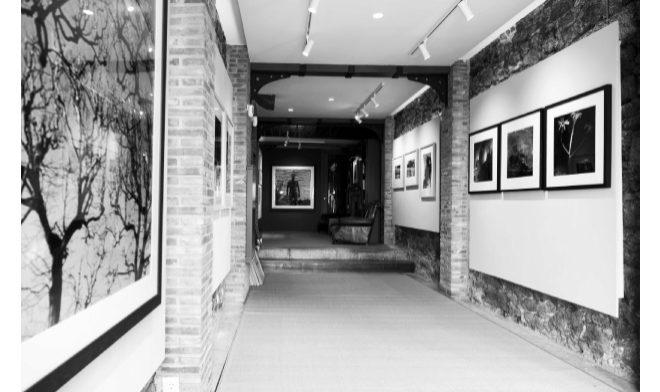 La galería Parrote, en el célebre Paseo de la Dársena, en La Coruña.