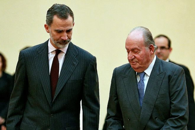 El Rey Felipe VI con su padre, el Rey emérito, Juan Carlos I.