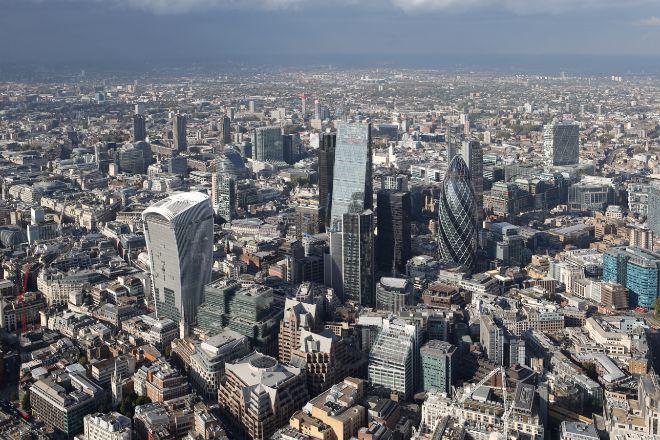 Vista aérea de la City de Londres, el centro financiero de Reino...
