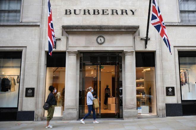 Imagen de una tienda de Burberry en Londres