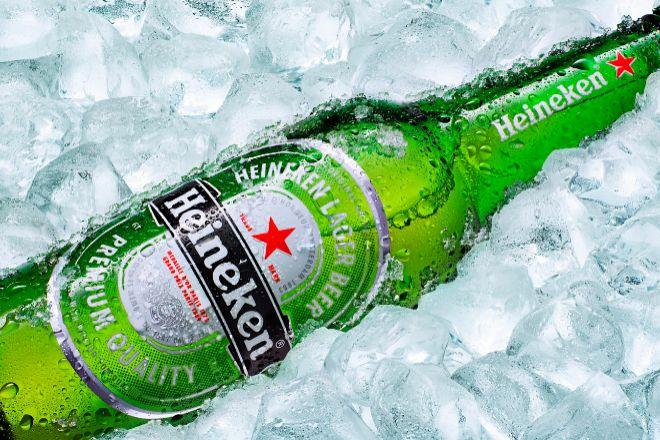 Botella de Heineken.