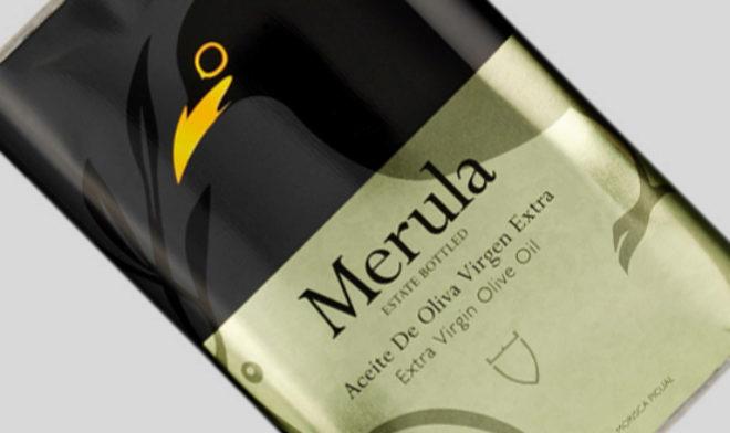 Merula, AOVE de la almazara Marqués de Valdueza, es también un coupage de las variedades Morisca, Arbequina, Hojiblanca y Picual, aunque en diferente proporción y maduración del fruto.