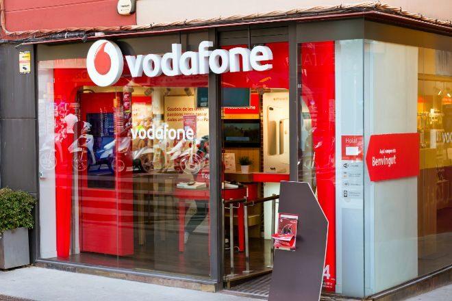 Tienda de Vodafone en Blanes, Girona (España).