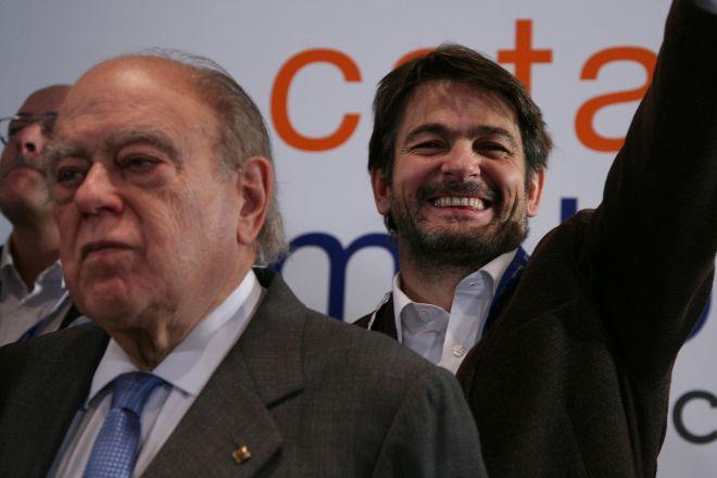 Jordi y Oriol Pujol, juntos, en la noche electoral de 2010, cuando CiU...