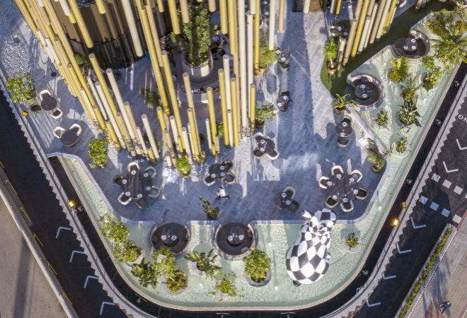 Una de las tres terrazas de Odiseo, en la que se puede comer o cenar.