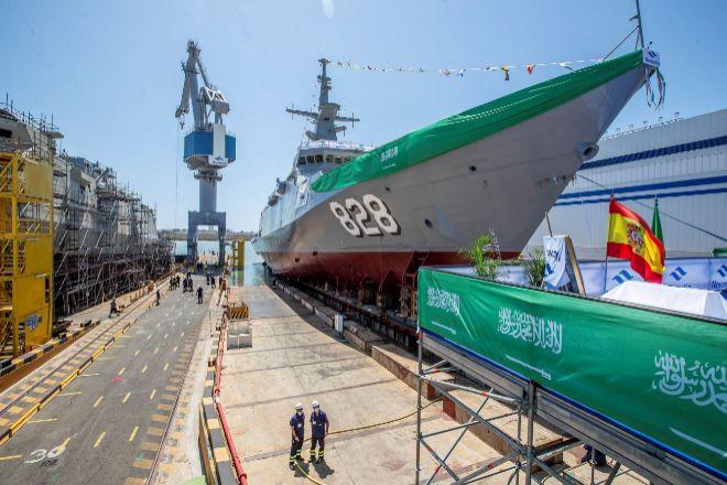 Botadura de un buque saudí en el astillero de Navantia en San Fernando (Cádiz).