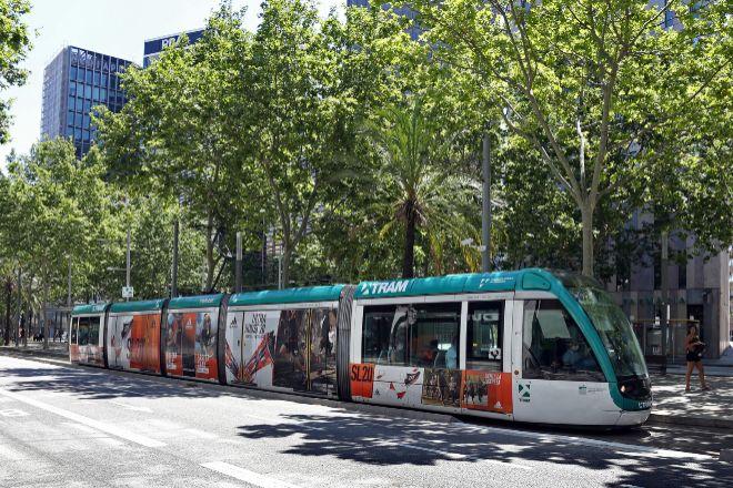 Unidad del Trambesòs, situado en el distrito barcelonés de Sant...