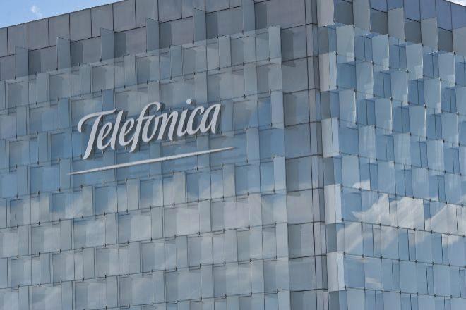 El beneficio de Telefónica se hunde un 53,5% en el primer semestre