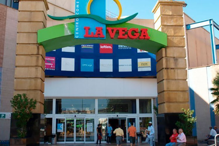 Centro comercial La Vega (Alcobendas).