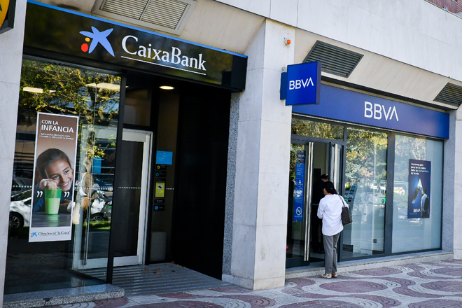 CaixaBank y BBVA crecen en depósitos y cuentas corrientes