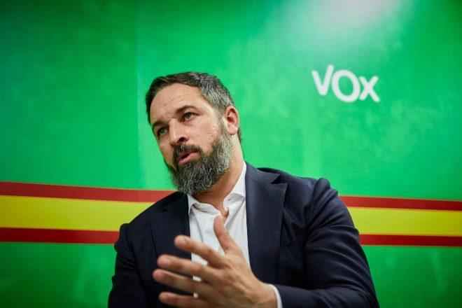 Abascal cree que Sánchez  no dudará en romper con Podemos y pactar con el PP...