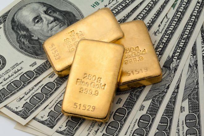 El oro sufre su mayor corrección desde marzo y pierde los 2.000 dólares