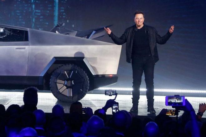 Elon Musk es el último influyente de la empresa y la innovación que ha dicho que para trabajar en su compañía hay acreditaciones mucho más importantes que un título universitario.