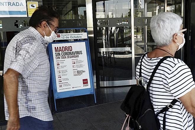 Cada vez más países desaconsejan viajar a España e imponen restricciones a los viajeros españoles.