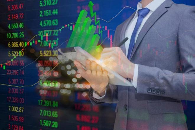 Ocho valores de la Bolsa marcan máximo en agosto