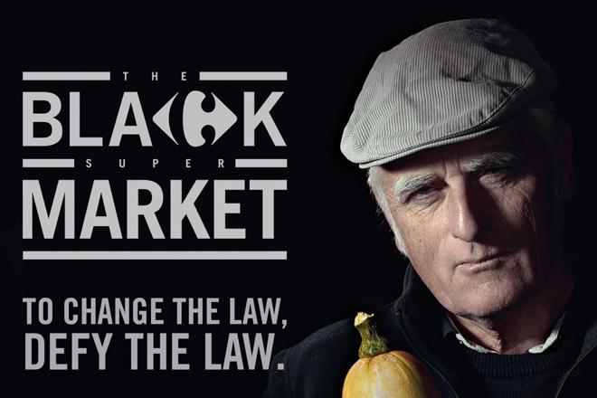 <strong>Carrefour cambia las leyes.</strong> A través de la iniciativa 'Black Market', Carrefour Francia puso el foco sobre una ley que dictaba que el 97% de las semillas de fruta, verdura y cereales eran ilegales para su venta en Europa. Carrefour decidió desafiar la norma con un 'mercado ilegal' con una campaña junto a productores locales que vendían en su 'Black Market'. Después de diez meses, en 2018 lograron que se votara en el Parlamento europeo una nueva ley que permite a los granjeros cultivar libremente. El 'Black Market' tuvo 300 millones de impresiones equivalentes a invertir 377 millones de dólares en medios.