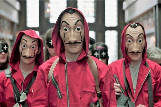 Netflix (en la imagen un fotograma de 'La Casa de Papel') se enfrenta a nuevos competidores como Disney+, que sube con fuerza.