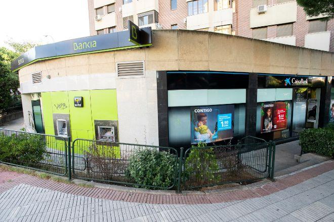 Así será el ajuste de empleo en la fusión CaixaBank-Bankia | Banca