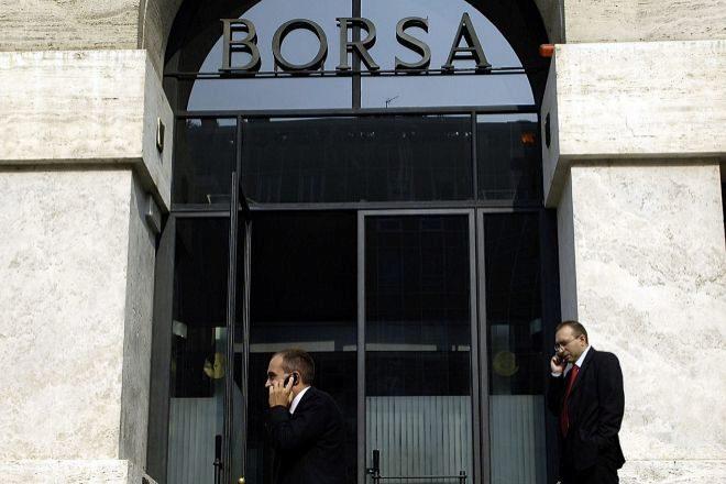 Exterior de la Bolsa de Milán