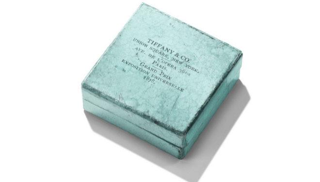 """""""Blue Box"""" de Tiffany de 1878, año en que la joyería adoptó ese tono como color corporativo, aunque tardaría ocho años en hacerse famosa."""