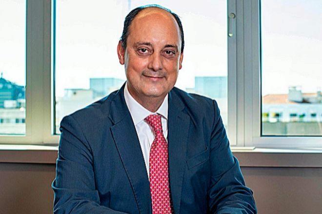 Roca Junyent  incorpora al departamento de derecho público a Íñigo Cisneros