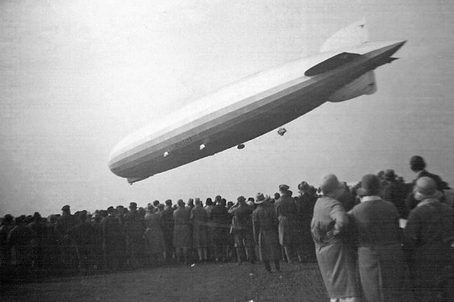"""El """"Graf Zeppelin"""" en un vuelo de 1930."""