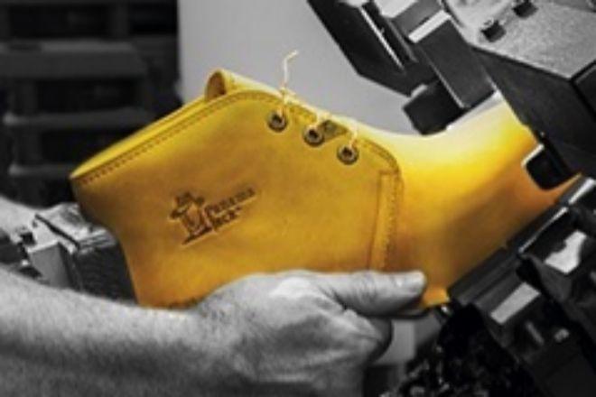 Panama Jack se reestructura y aúna su actividad zapatera en la firma principal