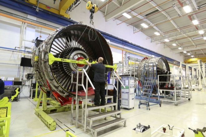 El fabricante británico de motores de avión Rolls-Royce abordó este año una fuerte reducción laboral.