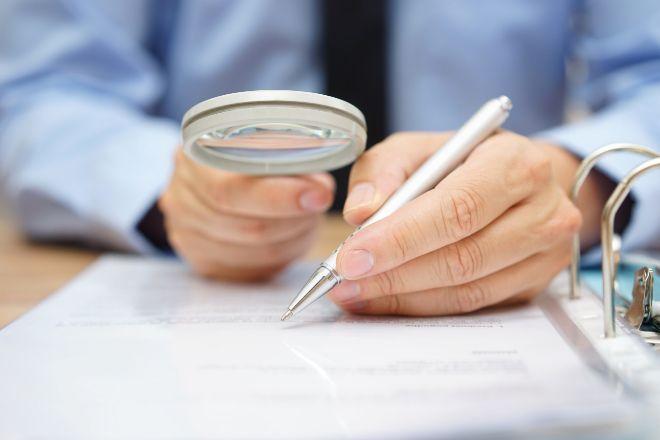 Contratos sin letra pequeña: obligados a escribir claro por ley