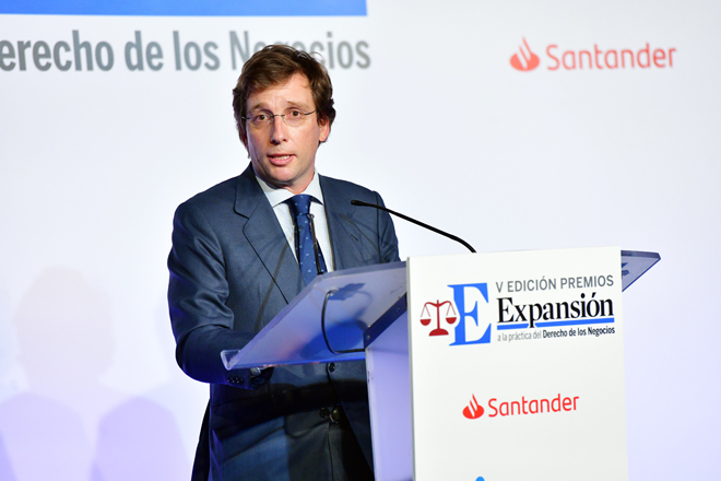"""Martínez-Almeida: """"Saldremos adelante trabajando en equipo"""""""