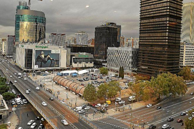 Solar en Nuevos Ministerios donde El Corte Inglés estudia construir un edificio de oficinas.