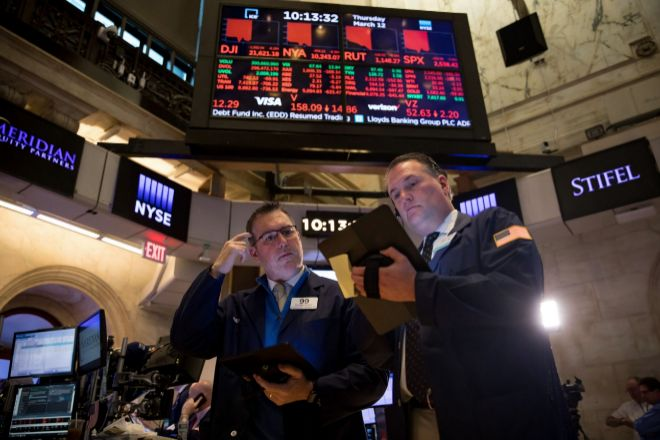 El mercado está en el momento más complicado en muchos años, según los inversores profesionales.