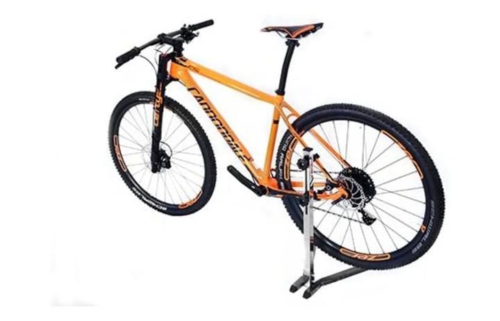Soportes, colgadores, candados y fundas para proteger tu bicicleta