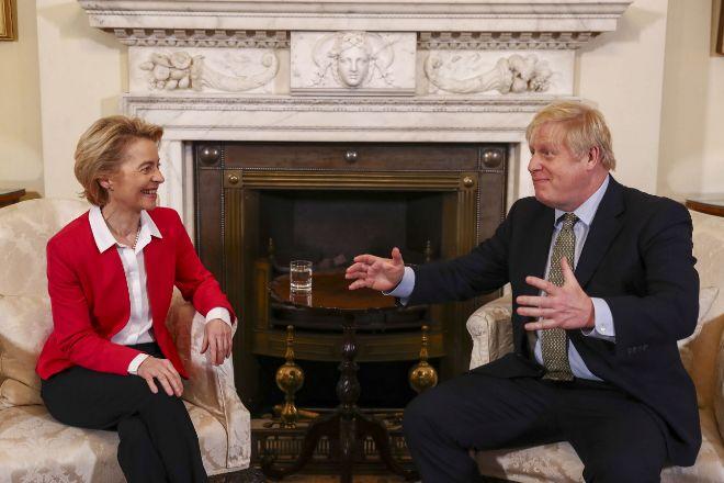 """Von der Leyen y Johnson reconocen """"brechas significativas"""" en futura relación entre Reino Unido y la UE"""