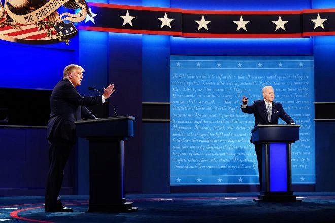 El candidato republicano y actual presidente, Donald Trump, y el candidato demócrata, Joe Biden, en el debate televisado del miércoles.