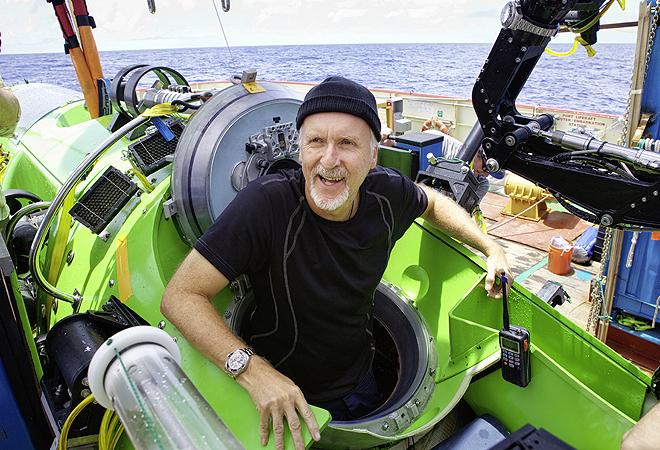 El cineasta James Cameron en su inmersión en la fosa de las Marianas en 2012. Su sumergible Deepsea Challenger llevó en uno de sus brazos articulados un modelo experimental de Rolex que aguantó el descenso de más de 12.000 metros.