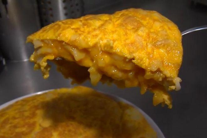 Esta centenaria tortilla coloca a Betanzos en el mapa de la gastronomía mundial