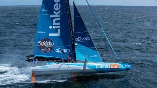Thomas Ruyant, a bordo del barco de la clase IMOCA...
