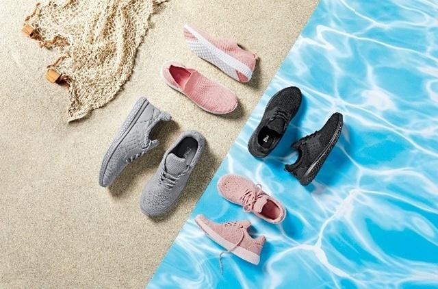 Las zapatillas Ocean Bound, realizadas a base de botellas de plástico recogidas en las playas, islas y zonas costeras del océano. 16,99 euros.