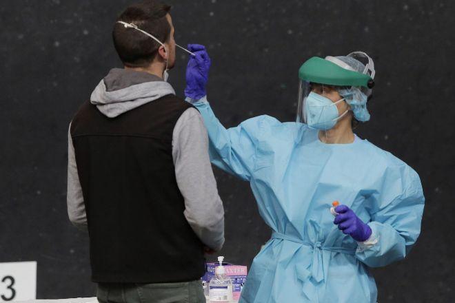 Última hora: Los expertos no esperan que se pueda empezar a vacunar masivamente antes del segundo semestre de 2021