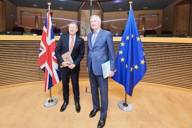David Frost y Michel Barnier.